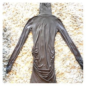 Dark gray thin body con fitting dress w ruching